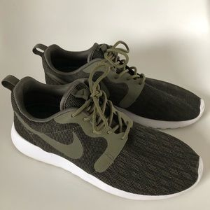 Nike Shoes - Nike Roshe One Shoes Dark Green w/3M, Men's Size 8